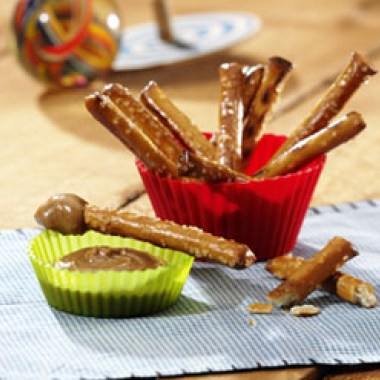 no stir almond butter & pretzels